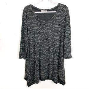 Cut Loose Gray Wavy Zebra Print Asymmetrical Tunic